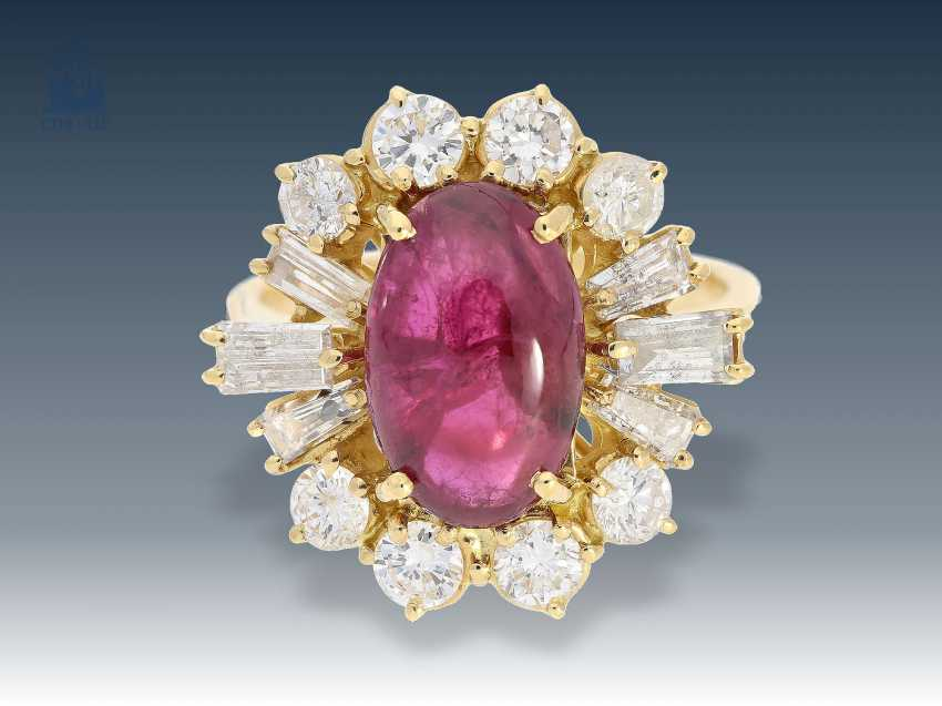 Ring: high quality gold ring with ruby, trapezoid diamonds and diamonds wrought - photo 1