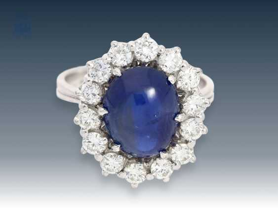 Ring: stylish, very decorative and of high-quality sapphire/clear brilliant gold wrought ring, 18K white gold - photo 1