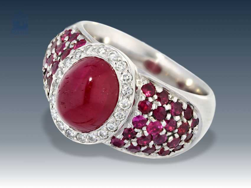 Ring: heavy, very high quality and a massive gold ring with rubies and diamonds wrought, 18K white gold - photo 1