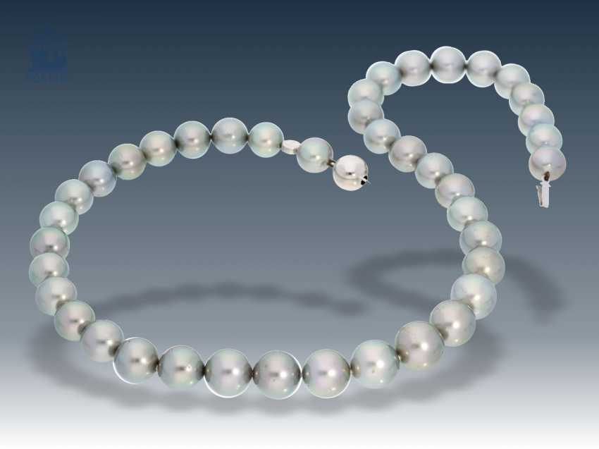 Chain: exclusive Tahitian pearls necklace by Schoeffel with Expertise, NP: CA.€6,000 on - photo 1
