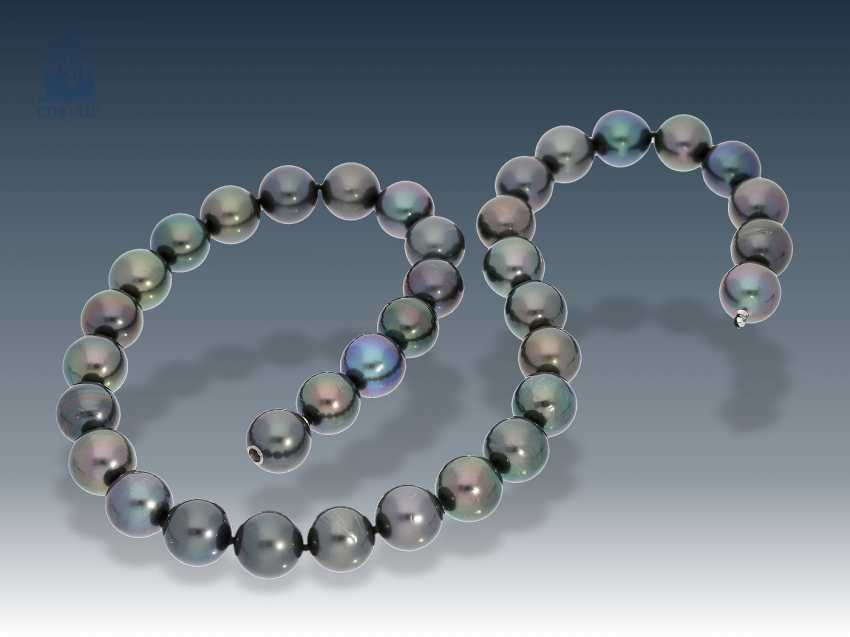 Necklace/Collier: very high-quality Tahitian cultured pearls necklace with built-in nittel clasp, mint - photo 1