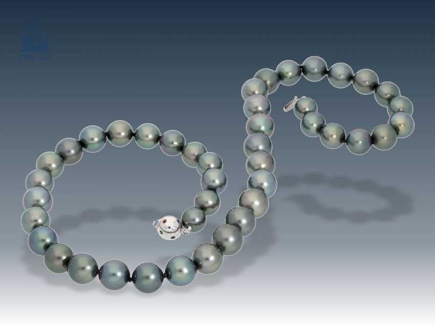 Necklace/Collier: high-quality Tahitian cultured Clasp pearl necklace with white gold, studded with various precious stones - photo 1