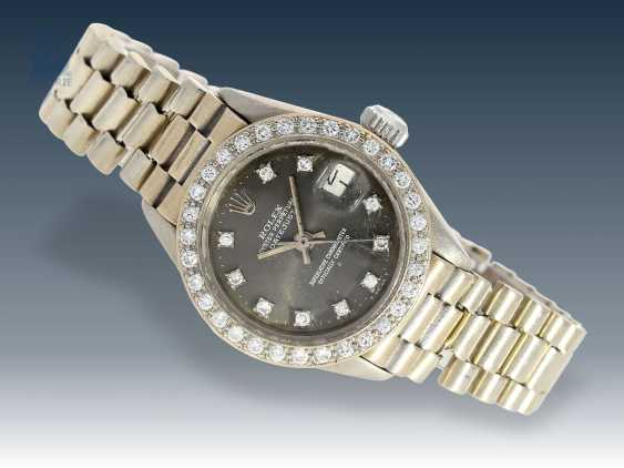 Watch: rare watch, vintage Rolex Datejust, Chronometer in white gold with brilliant trim, 70s - photo 1