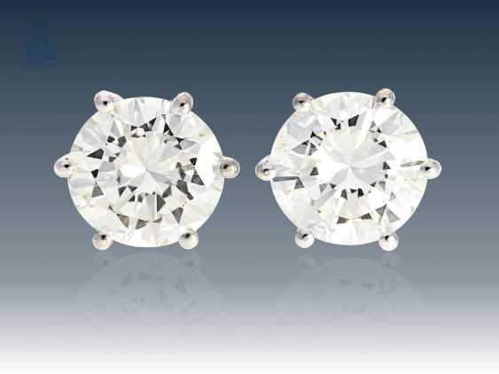 Stud: high, fine, modern brilliant stud earrings, approx. 4ct - photo 1