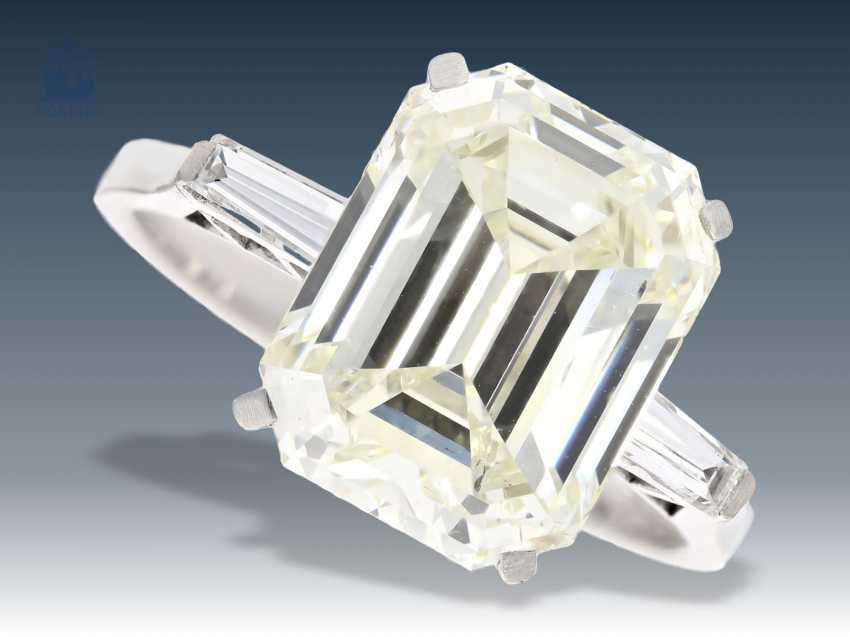 Ring: very high-quality vintage platinum ring with a fine diamond of about 6,2 ct Emerald-Cut - photo 1
