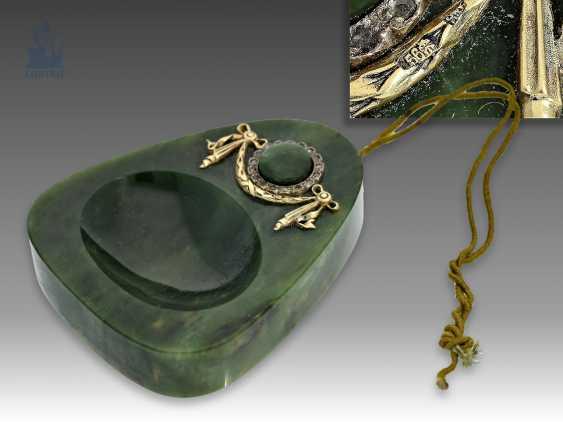 Tischklingel/table belLänge: äußerst seltene Tischklingel aus Nephrit, Gold und Silber, möglicherweise FABERGÉ um 1900, mit Originalbox - photo 1