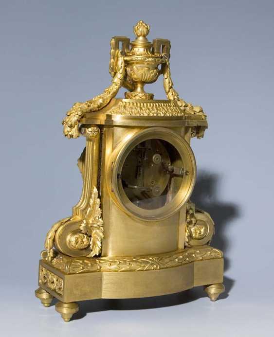 Französische Kamin-Uhr. PARIS Mitte 19. Jahrhundert, - photo 2