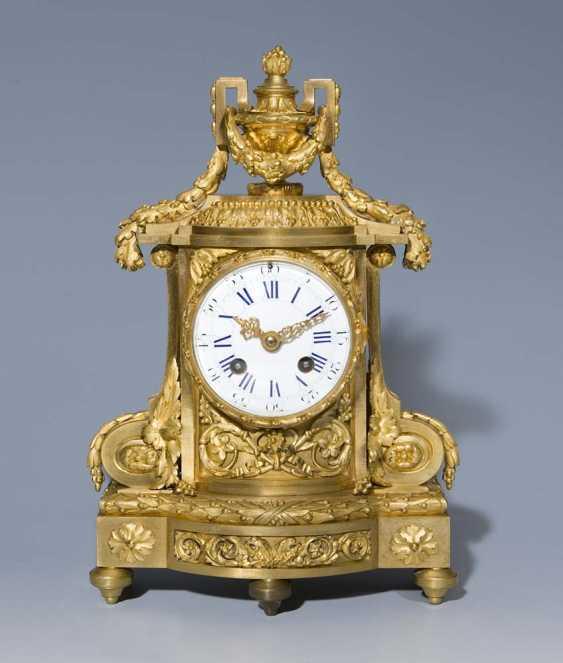 Französische Kamin-Uhr. PARIS Mitte 19. Jahrhundert, - photo 1