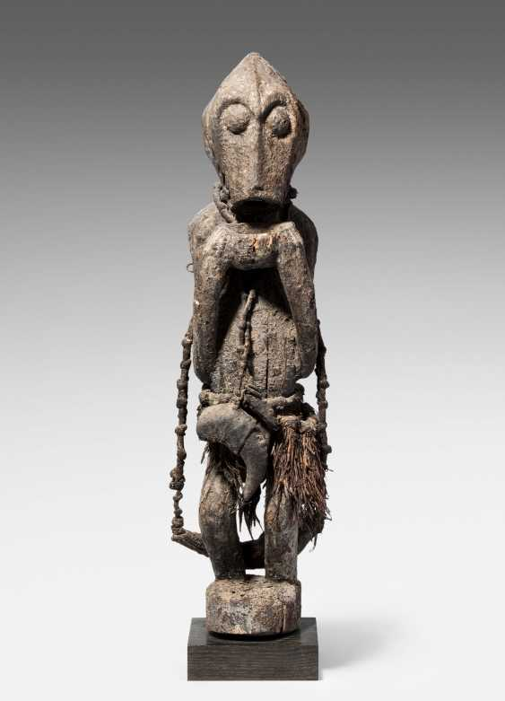 Gbekre-Monkey Figure - photo 1