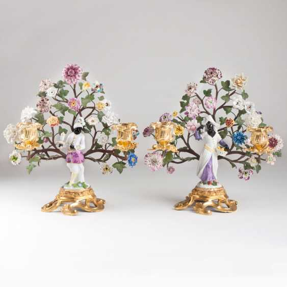 A pair of extraordinary ormolu candlesticks with Meissen figurines - photo 1