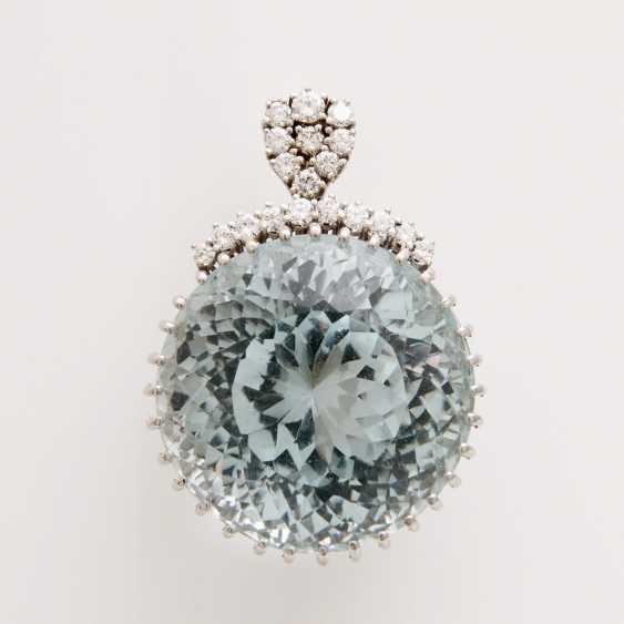 Pendant made of a rundfac. Aquamarine - photo 1