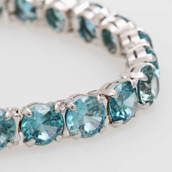 Bracelet studded with rundfac. Zircons - photo 2