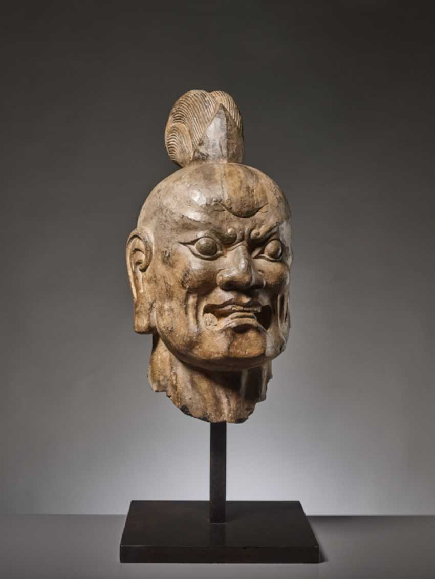OVER-LIFESIZE LIMESTONE HEAD OF A TIANWANG GUARDIAN GOD, CHINA, TANG DYNASTY - photo 4