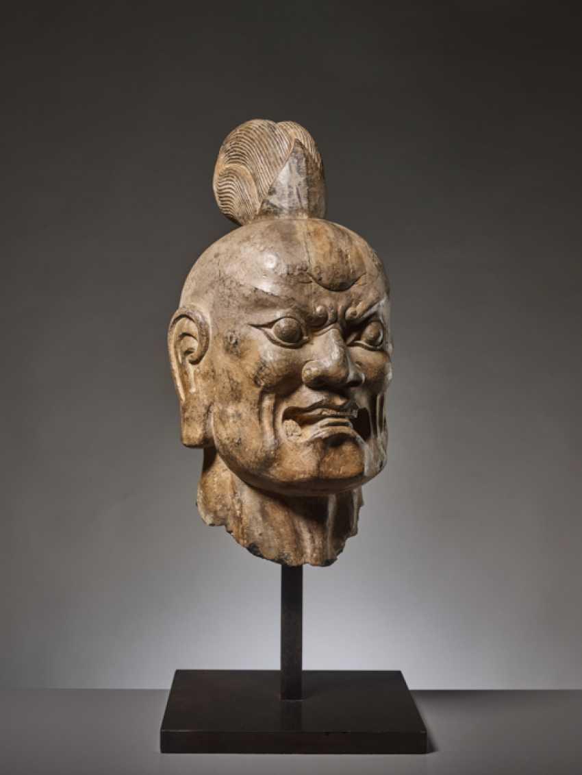 OVER-LIFESIZE LIMESTONE HEAD OF A TIANWANG GUARDIAN GOD, CHINA, TANG DYNASTY - photo 5