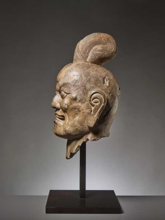 OVER-LIFESIZE LIMESTONE HEAD OF A TIANWANG GUARDIAN GOD, CHINA, TANG DYNASTY - photo 6