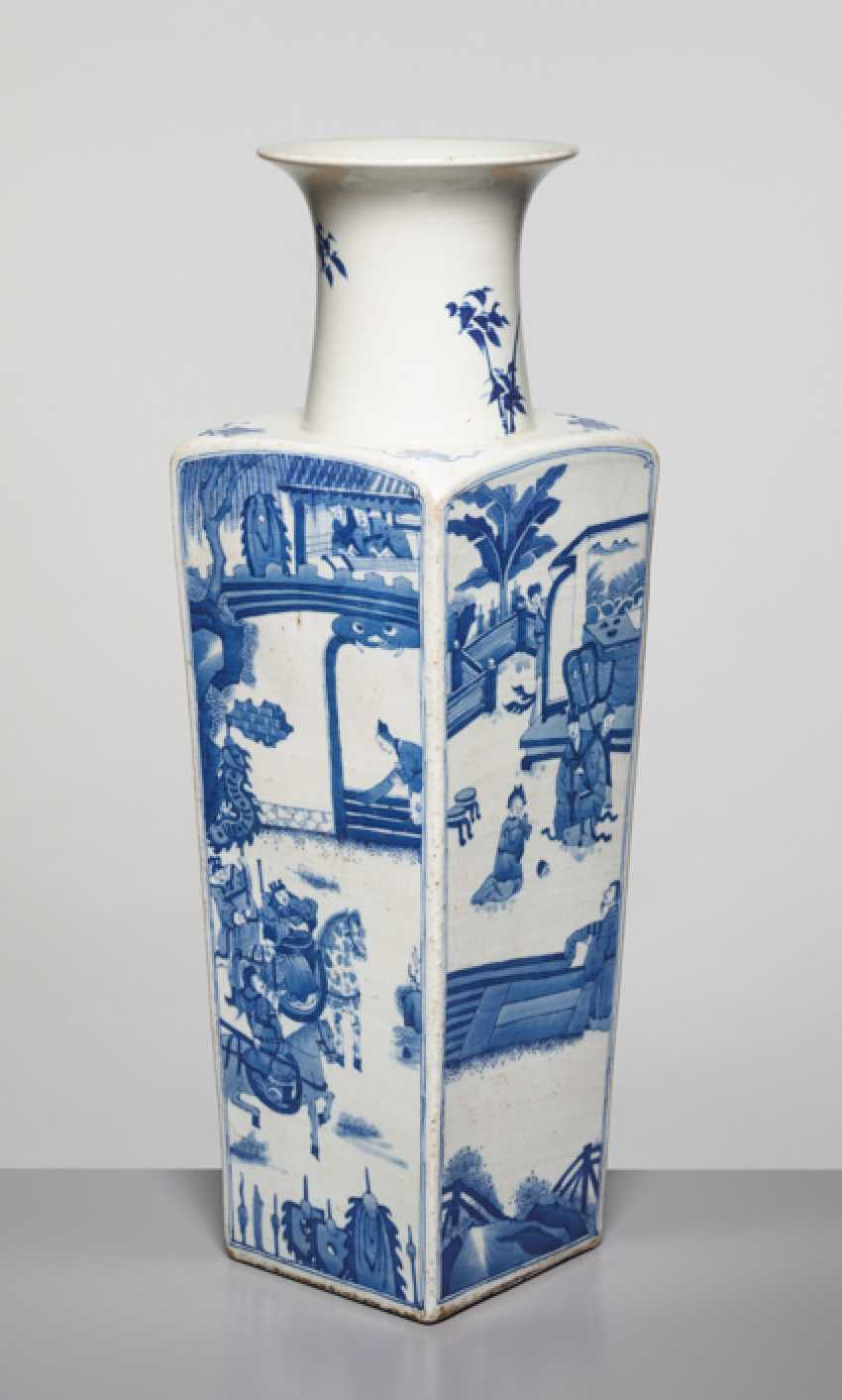 A BLUE AND WHITE SQUARE VASE WITH GENRE SCENES, KANGXI - photo 1
