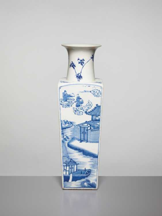 A BLUE AND WHITE SQUARE VASE WITH GENRE SCENES, KANGXI - photo 4