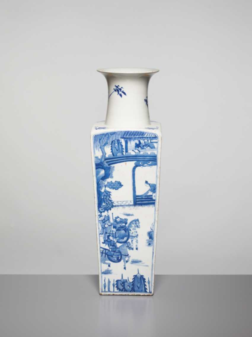 A BLUE AND WHITE SQUARE VASE WITH GENRE SCENES, KANGXI - photo 5