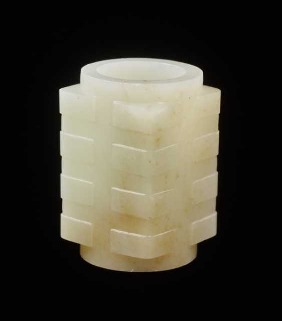 A BEAUTIFUL AND RARE MINIATURE CONG IN RESPLENDENT WHITE JADE DECORATED WITH REGULAR, WELL-CARVED BANDS ON THE CORNERS - photo 1