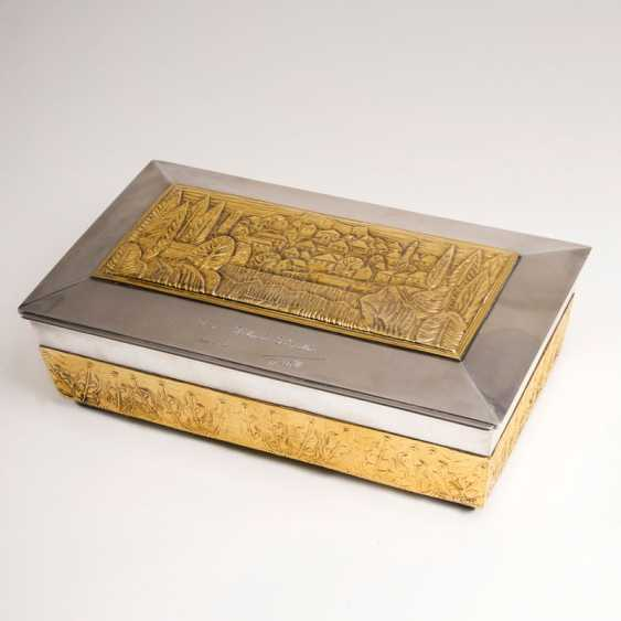 Gold-plated silver casket with view of the City of Jajce - a gift to Helmut Schmidt. - photo 1