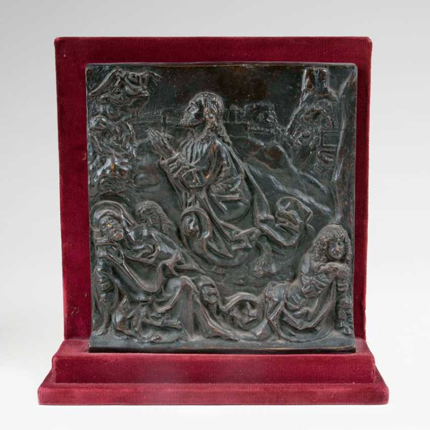 Late Gothic Bronze Relief of 'Christ on the mount of Olives'. - photo 1