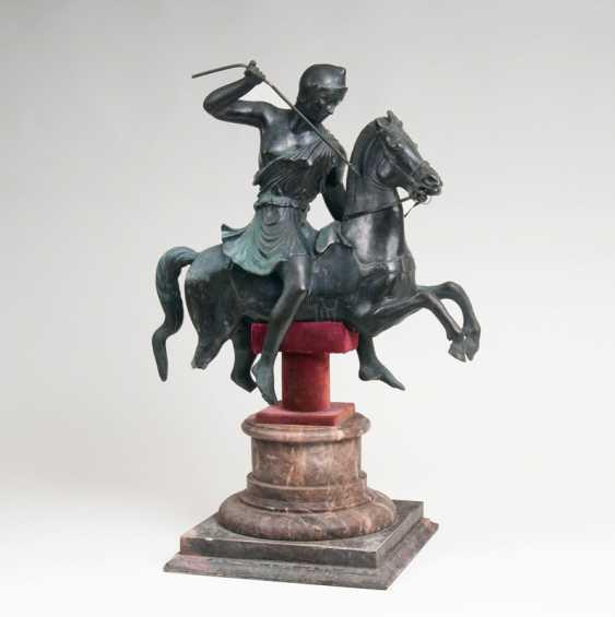 Rare Bronze sculpture 'Amazon on horseback'. - photo 1