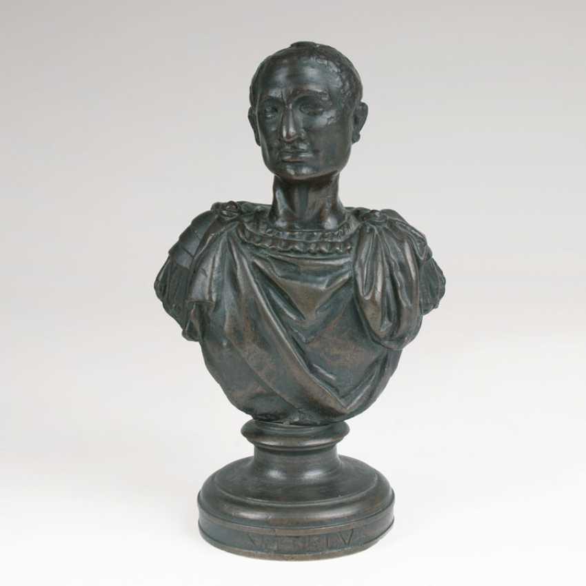 Small Bronze bust of a Roman Emperor. - photo 1