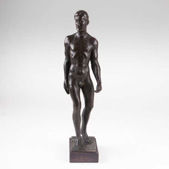 Bronze figure 'as the male Nude'. Karl Opfermann - photo 2