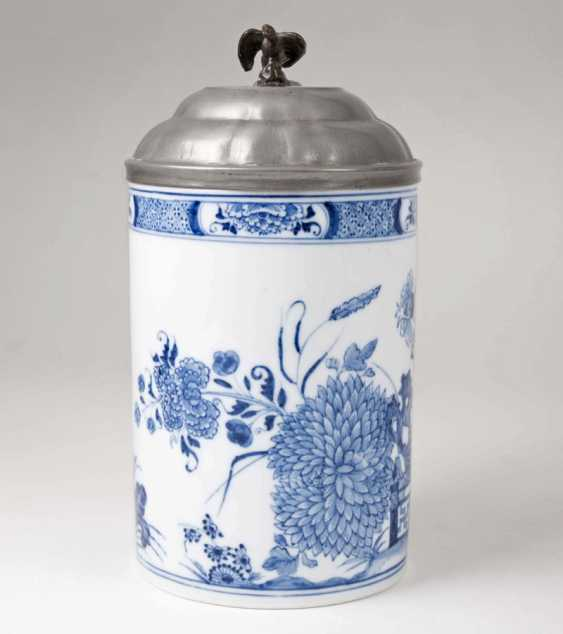 Earlier pitcher rolls with East Asian blue painting. - photo 3