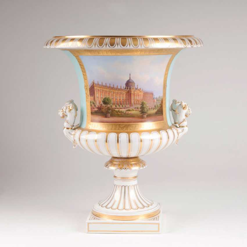 Significant crater vase with a view of the 'New Palace' to Carl Daniel Freydanck. - photo 1