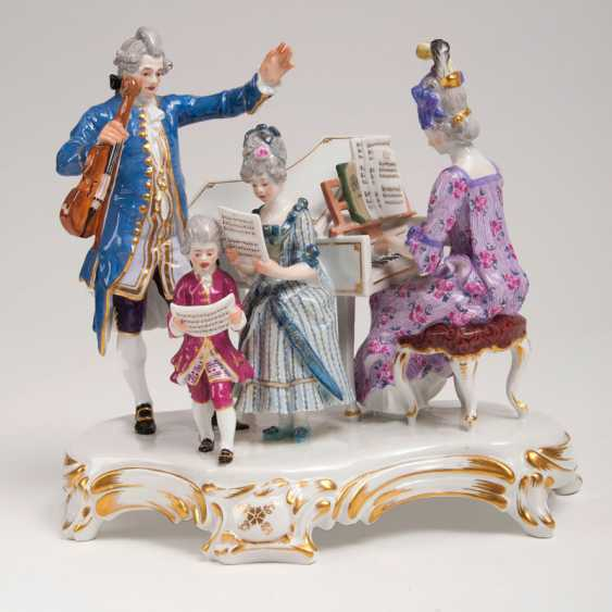 Porcelain Figure Group 'House Concert'. Joseph Kramer - photo 1