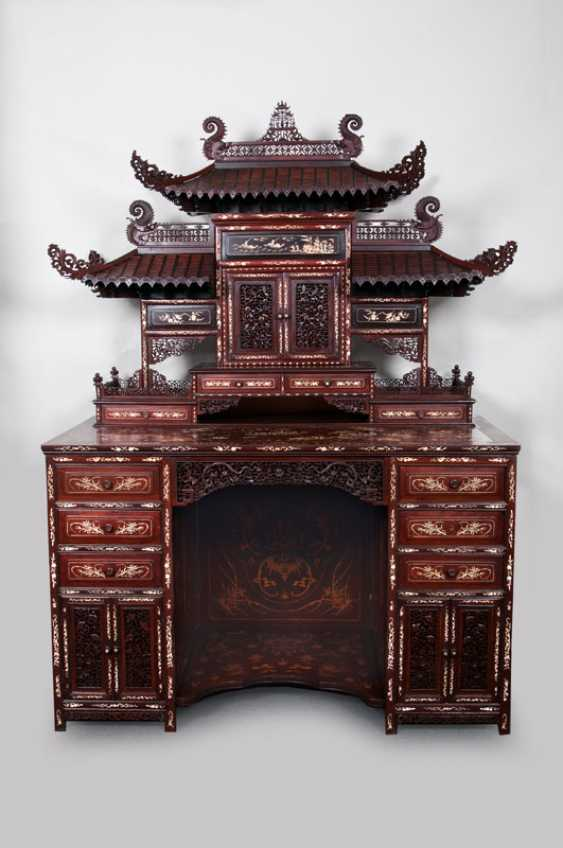 Important Chinese essay Secretary with ivory marquetry. - photo 1