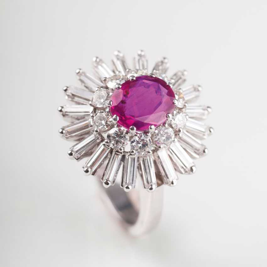 Vintage diamond Ring with natural ruby. - photo 1
