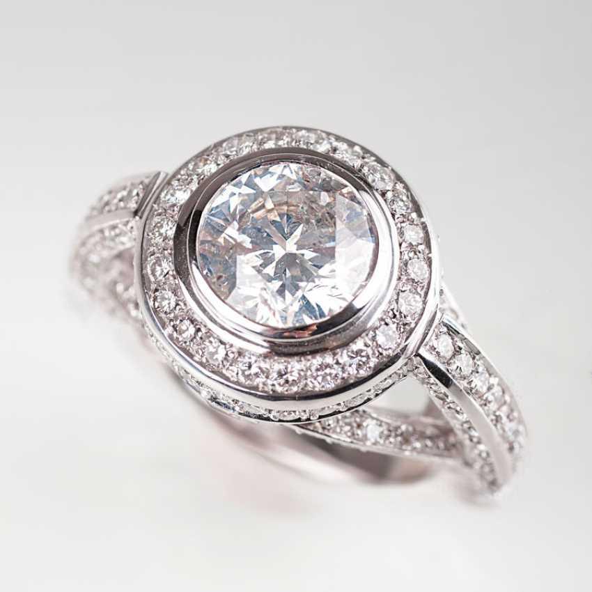 Современный, мощный бриллиантового кольца. - фото 1