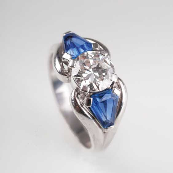 Solitaire Ring with sapphire trim. - photo 1