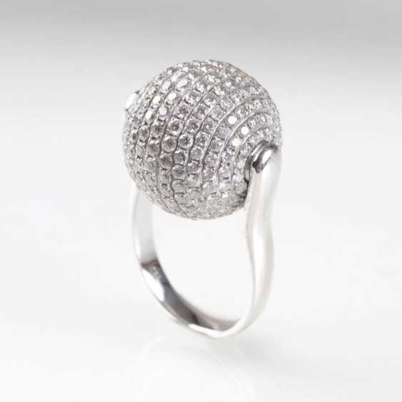 Modern Ring brilliant-in a spherical shape. - photo 2