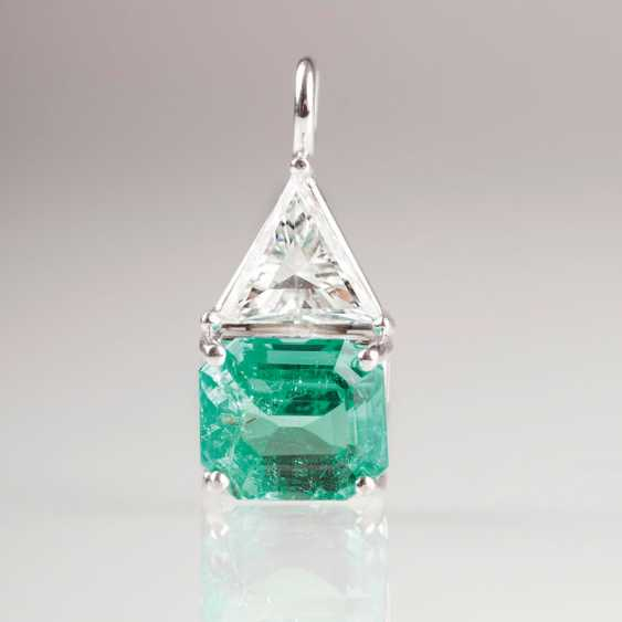 Very fine pendant with a natural emerald and a diamond. - photo 1