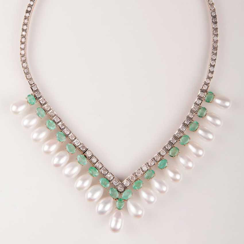 Elegantes Smaragd-Brillant-Perlen-Collier. - photo 1