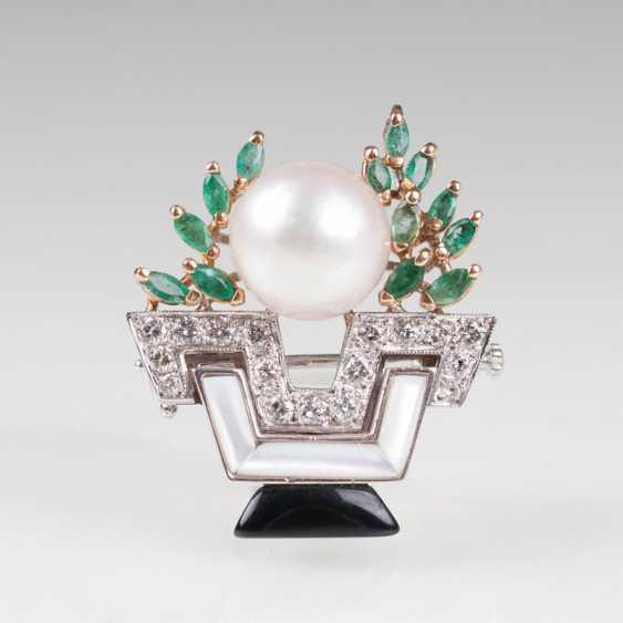 Smaragd-Perlen-Brillant-Brosche im Art Deco Stil. - photo 1