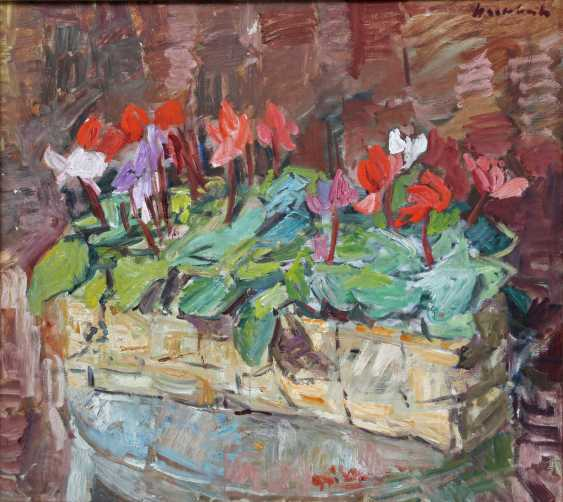 """HASSEBRAUK, ERNST (Dresden 1905-1974 ibid, Prof.), """"still life with cyclamen in a basket"""", - photo 1"""