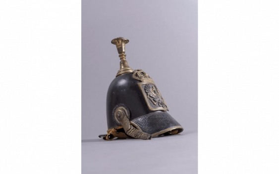 Helmet type 1842 of the police of the prussian Bomb leather. - photo 1