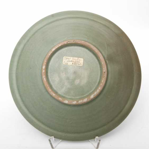 Exceptionally rare 'Twin Fish'bowl with celadon glaze. CHINA. Probably Song Dynasty (960-1279) - photo 3
