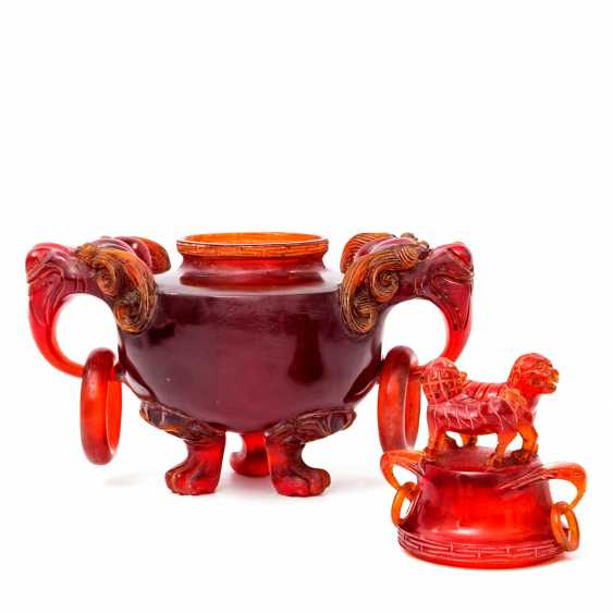 Rare incense burner made of red resin, called dragon's blood. CHINA, late Qing dynasty (1644-1912) - photo 2