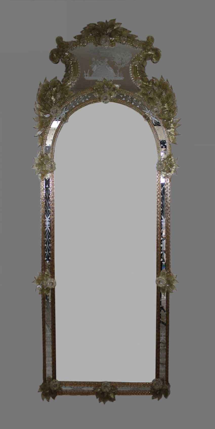 los 1010 gro er murano spiegel aus dem katalog fr hjahrsauktion kunst und antiquit ten vom 09. Black Bedroom Furniture Sets. Home Design Ideas