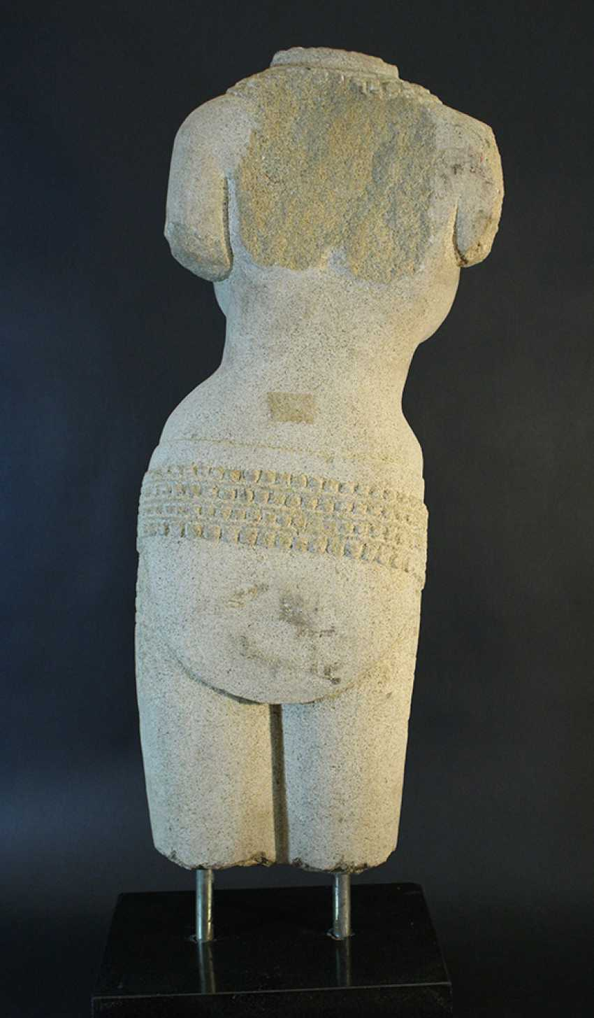 Indian stone scultpure of a female torso with necklaces and jewelry around the hips - photo 3