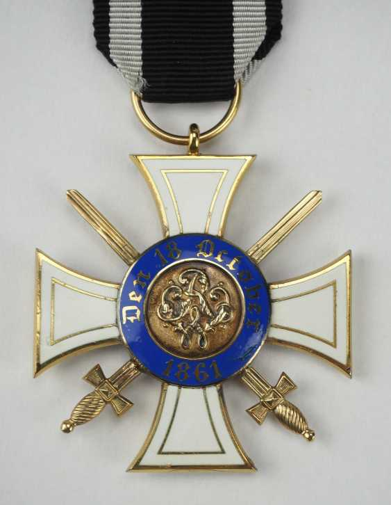 Prussia: Crown Order, 3rd Model (1869-1918), 3. Class with swords. - photo 2