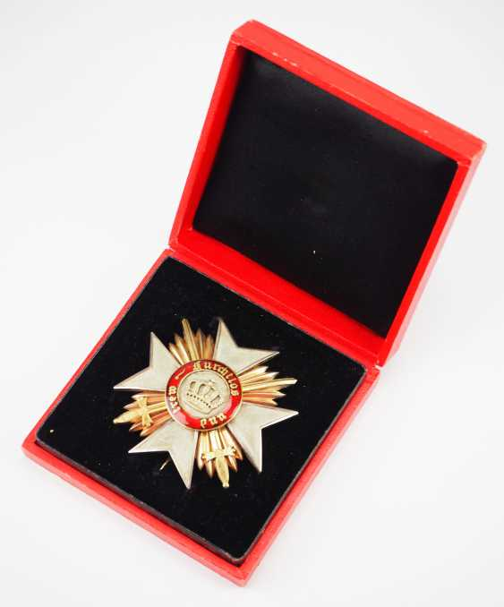 Württemberg: order of the Württemberg crown, breast star of the Commanders with swords, in a case. - photo 1