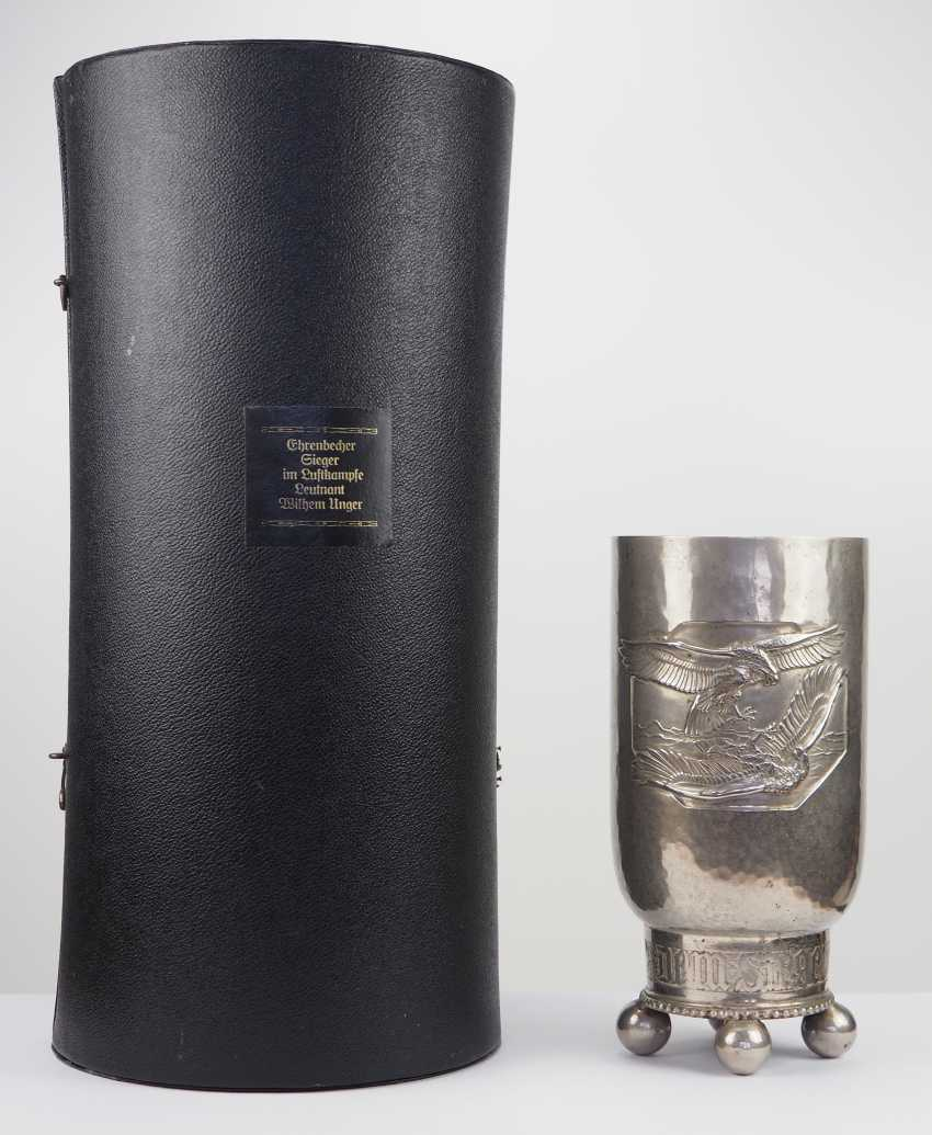 "Honor Cup ""to The winner in a air battle"", with a case for the Lieutenant Wilhelm Unger. - photo 1"
