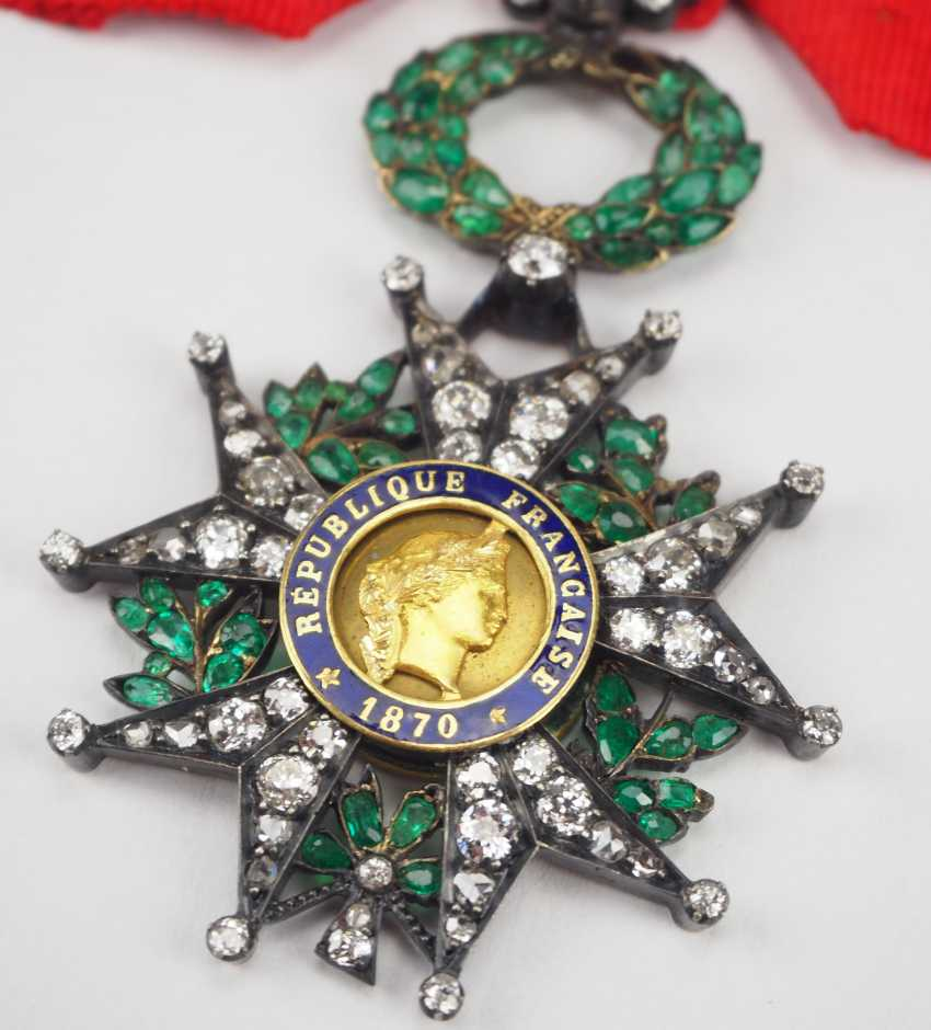 France: order of the Legion of honor, 9. Model (1870-1951), knights cross in brilliant-cut diamonds. - photo 2