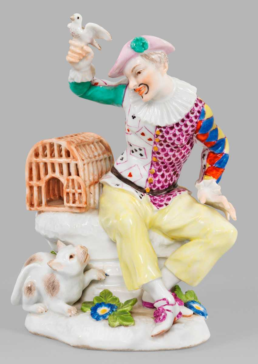 Harlequin with bird cage. Meissen. Around 1745.